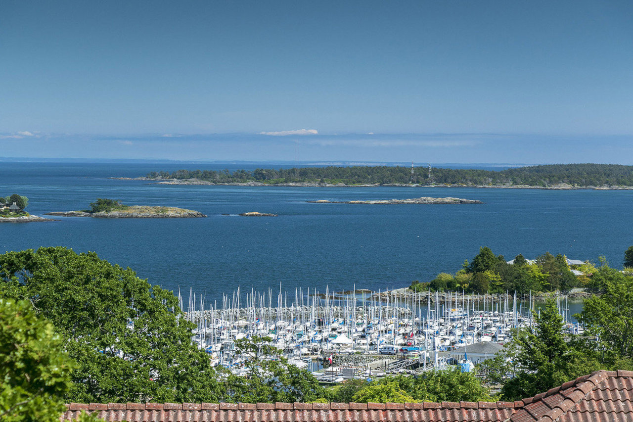 A marina in Oak Bay, Victoria SOTHEBY'S INTERNATIONAL REALTY CANADA