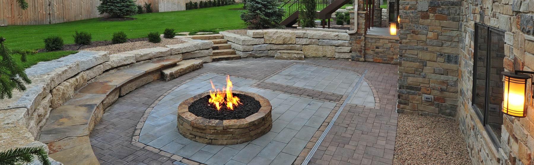LA-Home-Builders-Lincoln-Nebraska-Backyard-Firepit-1800x559.jpg
