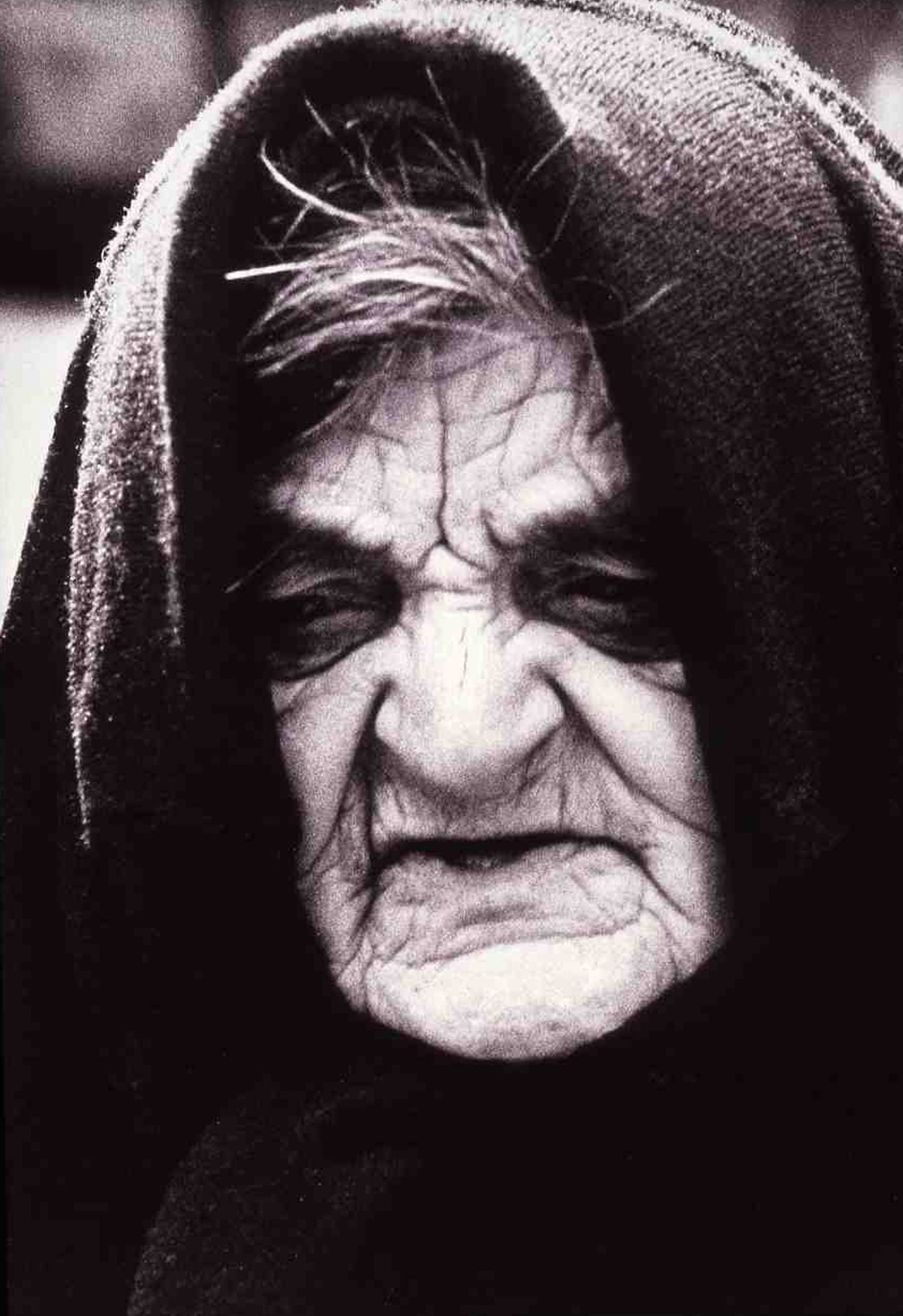 oldwoman1500.jpg