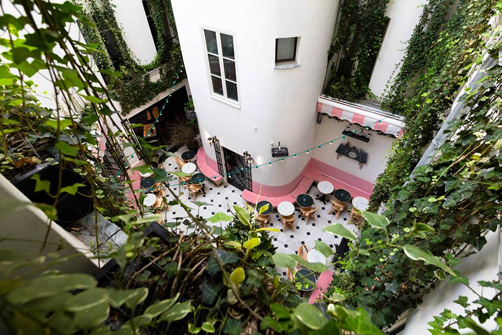 Le patio | crédits photo : Hôtel Amour
