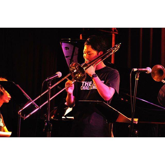 いよいよ本日はTHE JAZZ CHALLENGERSのレギュラーライブ第一弾です。  この次は11/30(金) 大人気イベント&JAZZへの出演が決まっております。  皆様のお越しをお待ちしております!©︎©︎©︎ #thejazzchallengers #jazzchallengers #jazz  #session #jazzlive #jazzbar #ジャズ #ジャズライブ #ジャズ好きな人と繋がりたい #music #modernjazz  #hardbop #モダンジャズ #ハードバップ #音楽好きな人と繋がりたい #ライブ好きな人と繋がりたい #お酒 #fukuoka #福岡 #tokyo #東京 #challengerstokyo #backstage #セッション