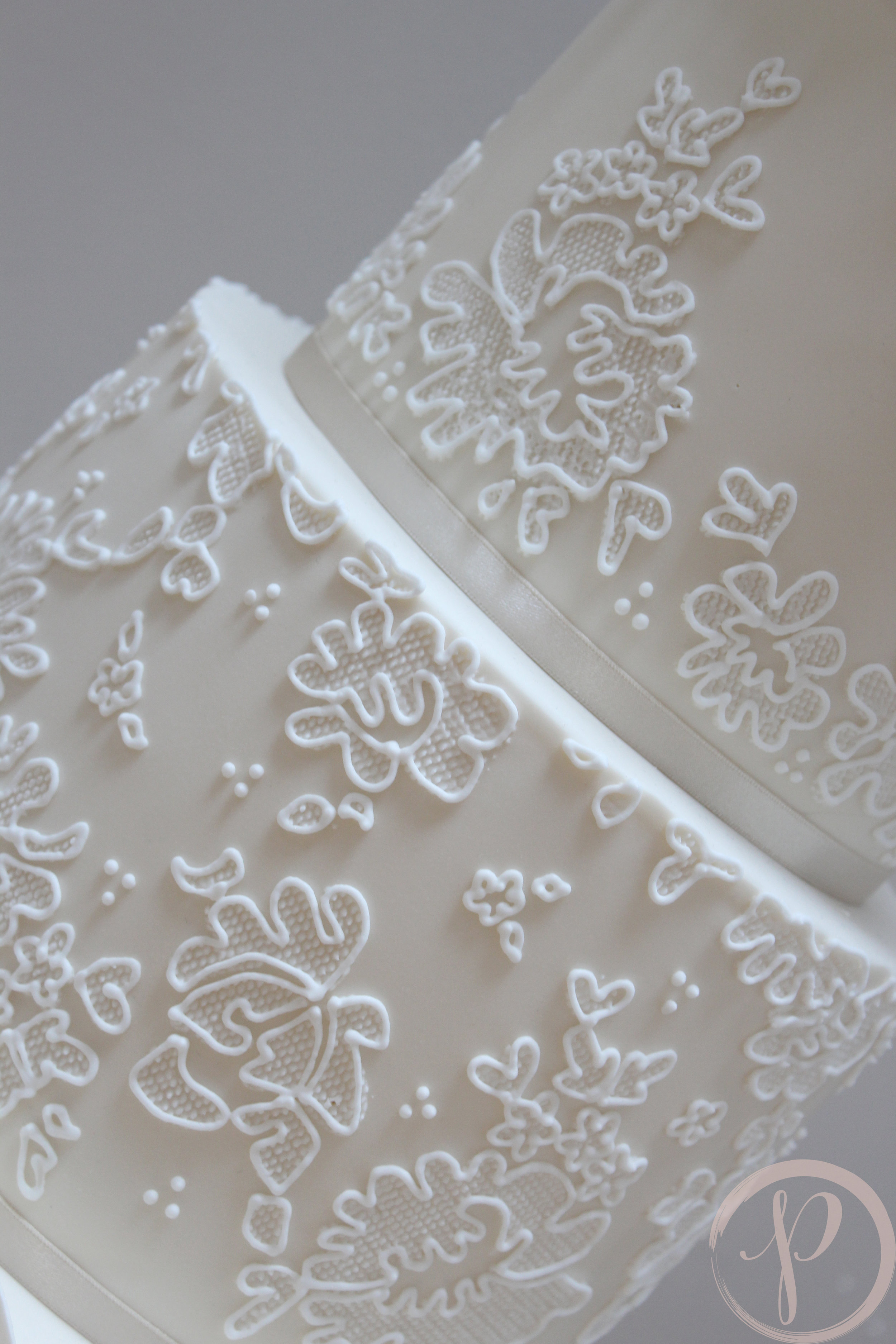 hand piped lace.jpg