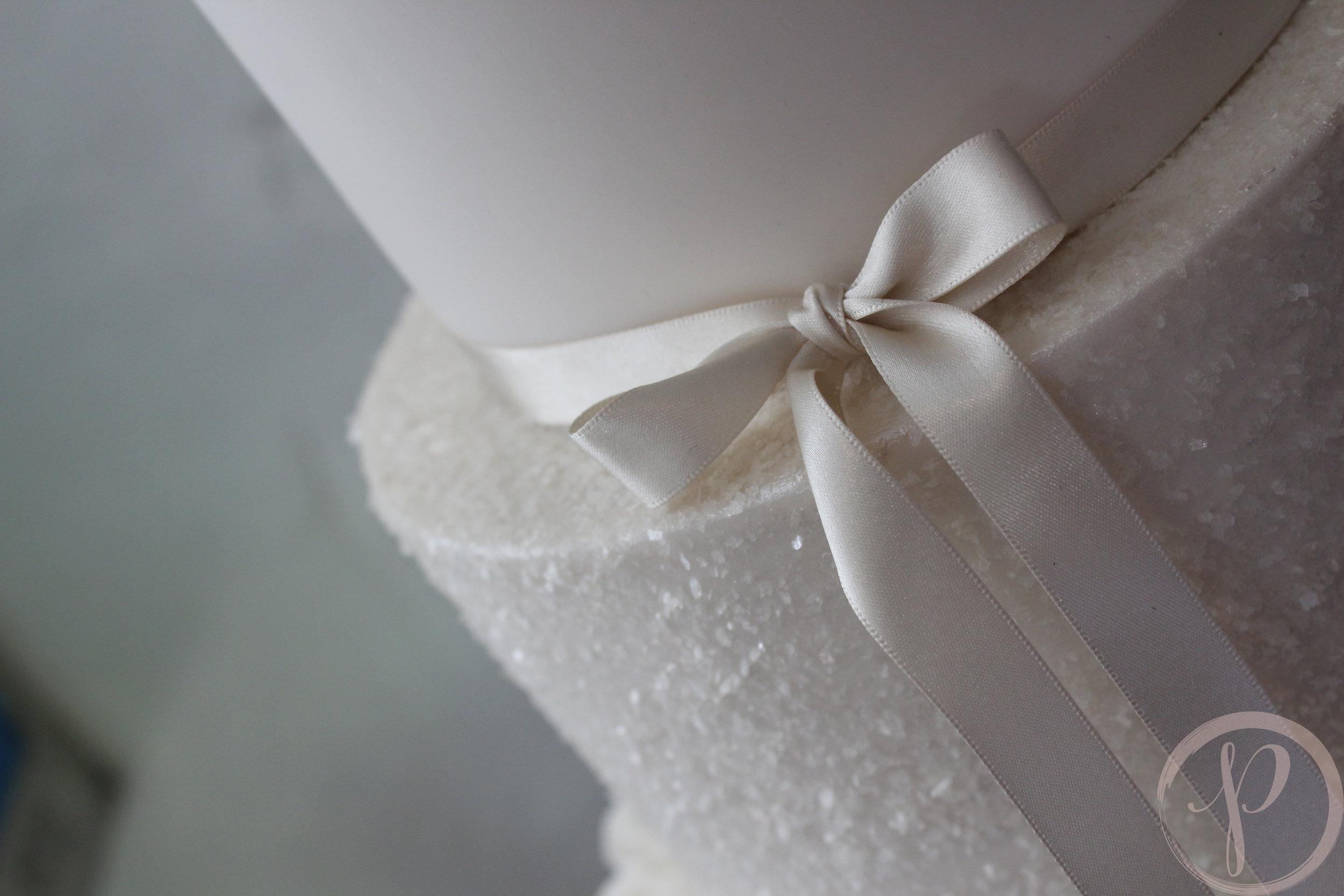 bow and sparkle wedding cake.jpg