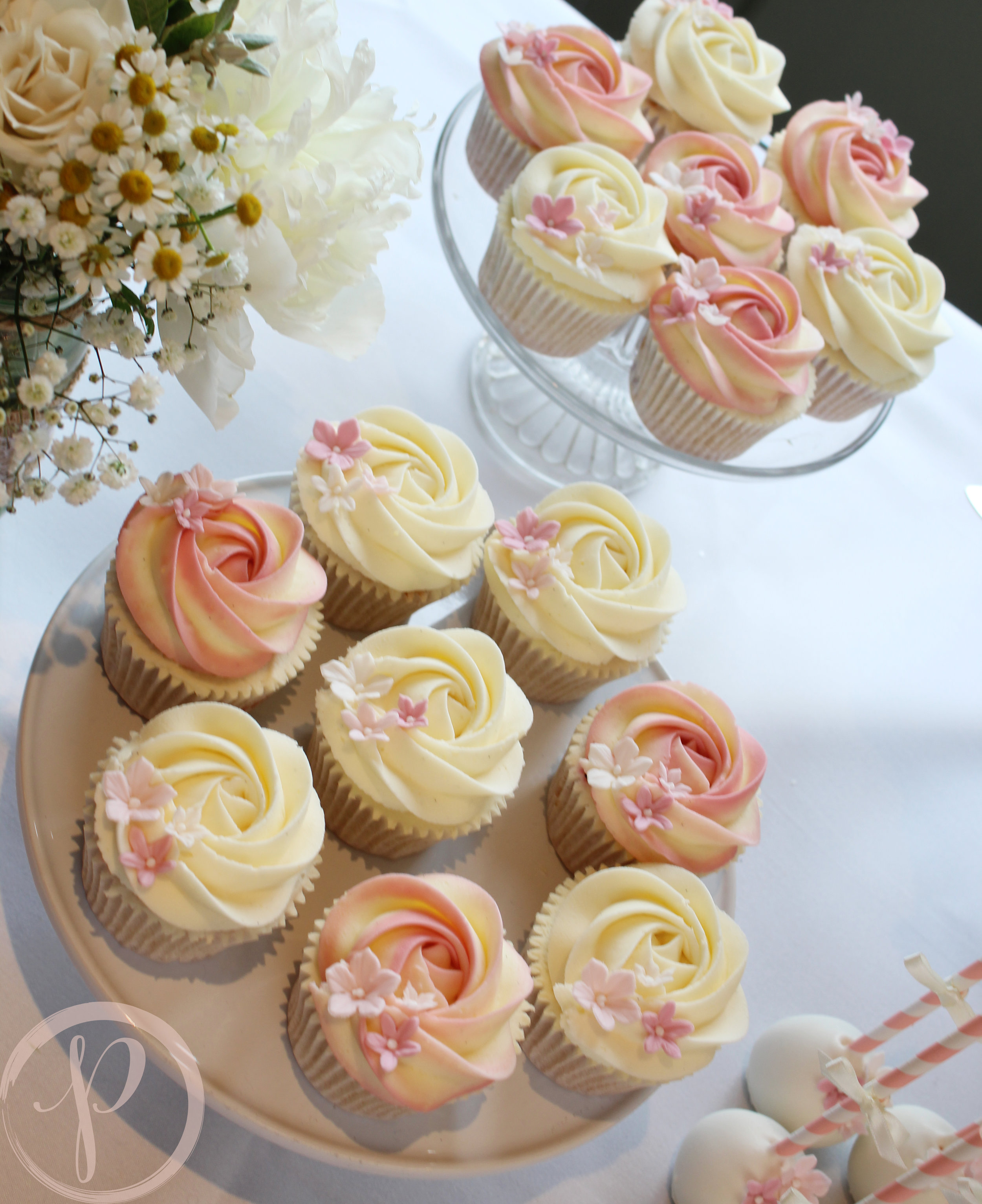 blush rose wedding cupcakes.jpg