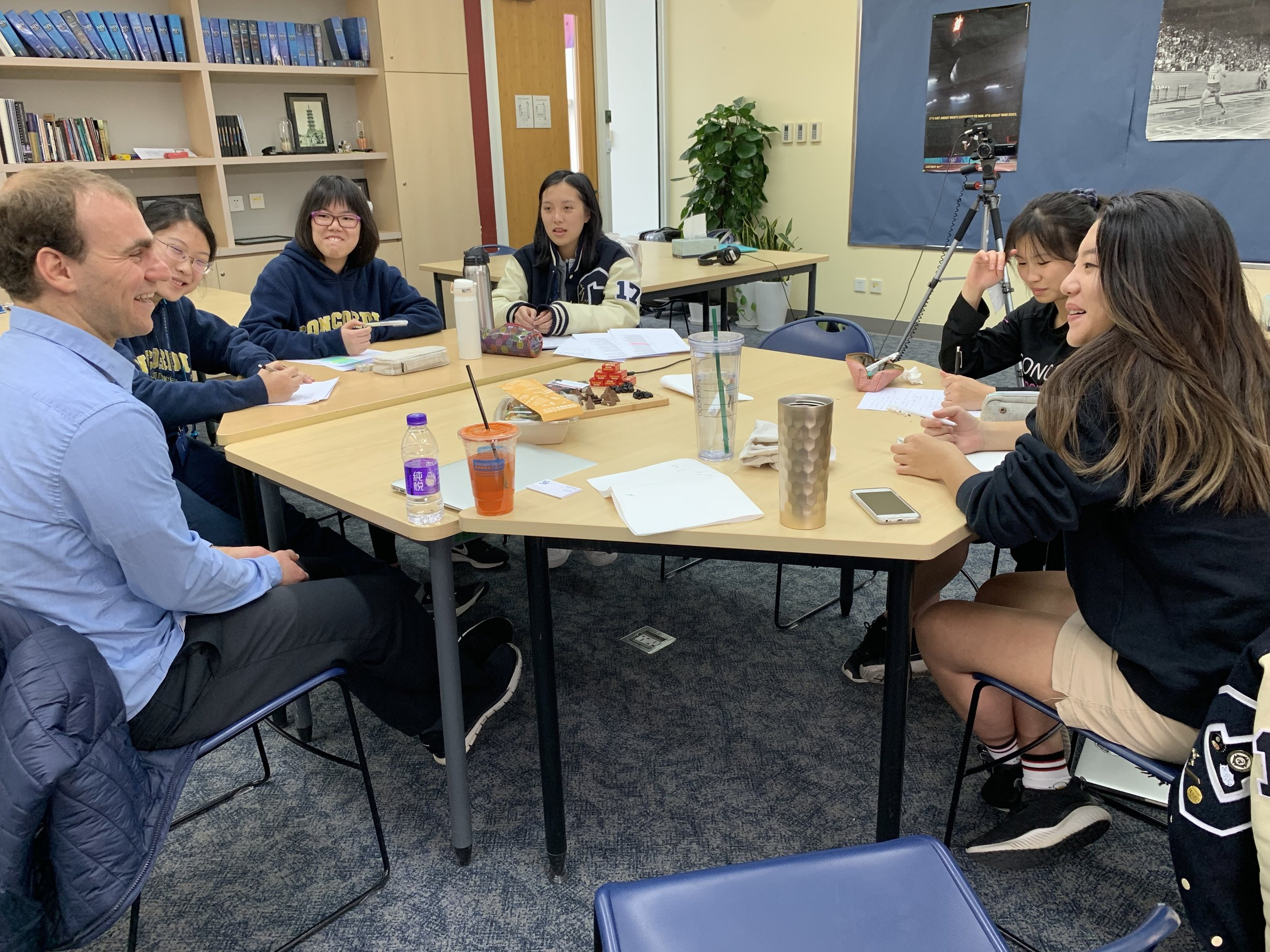 Jordan Hattar of Help4Refugees talking with Storytelling Agency students.
