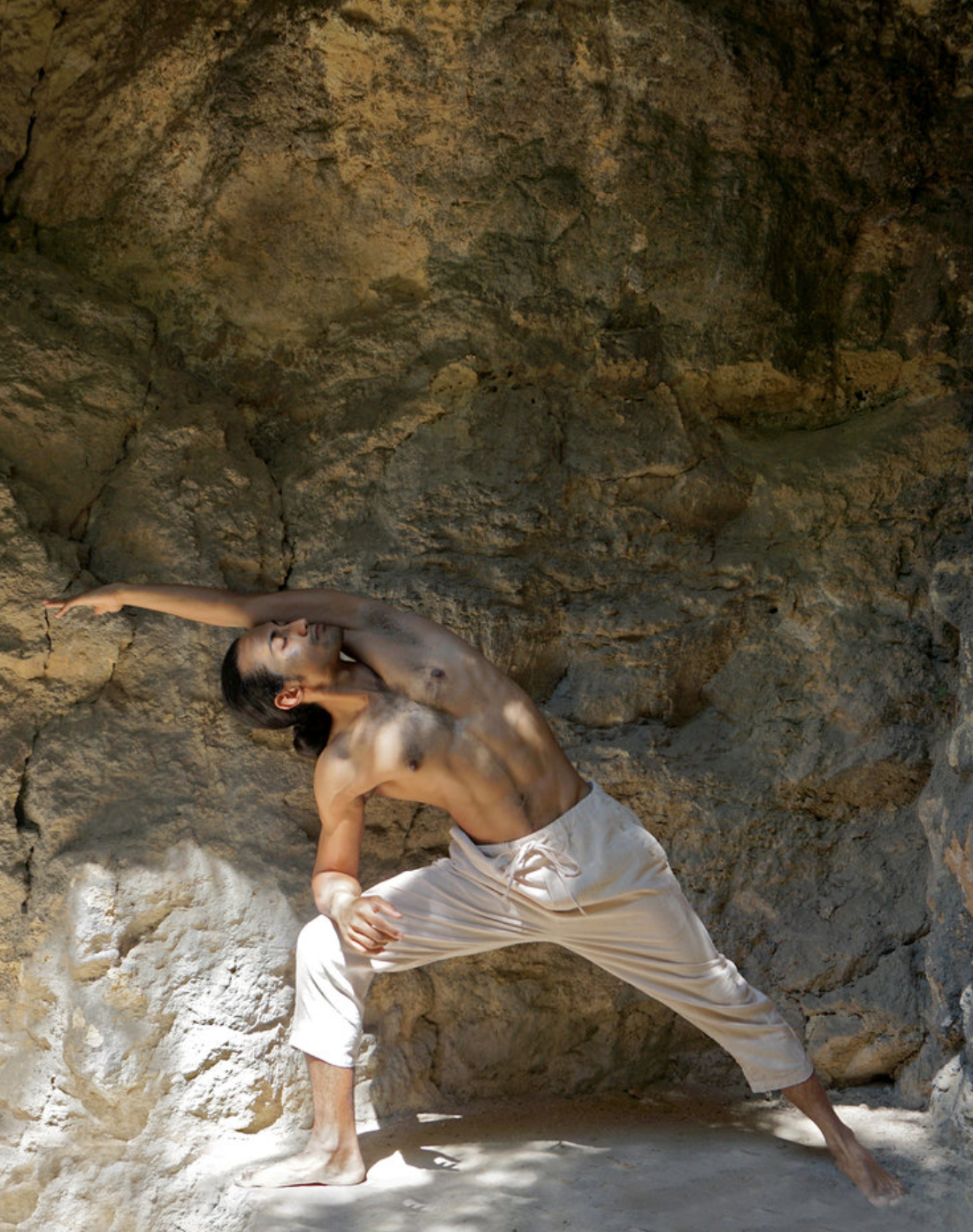 about the instructor: - Raphael is a Yoga Teacher (Nithya Priyan School of Yoga) and Parkour Coach (MOVE Academy Singapore). He specialises in guiding others towards achieving a state of Flow through mindfulness and moving meditation by drawing on the serenity of Yoga and the vigour of Parkour.
