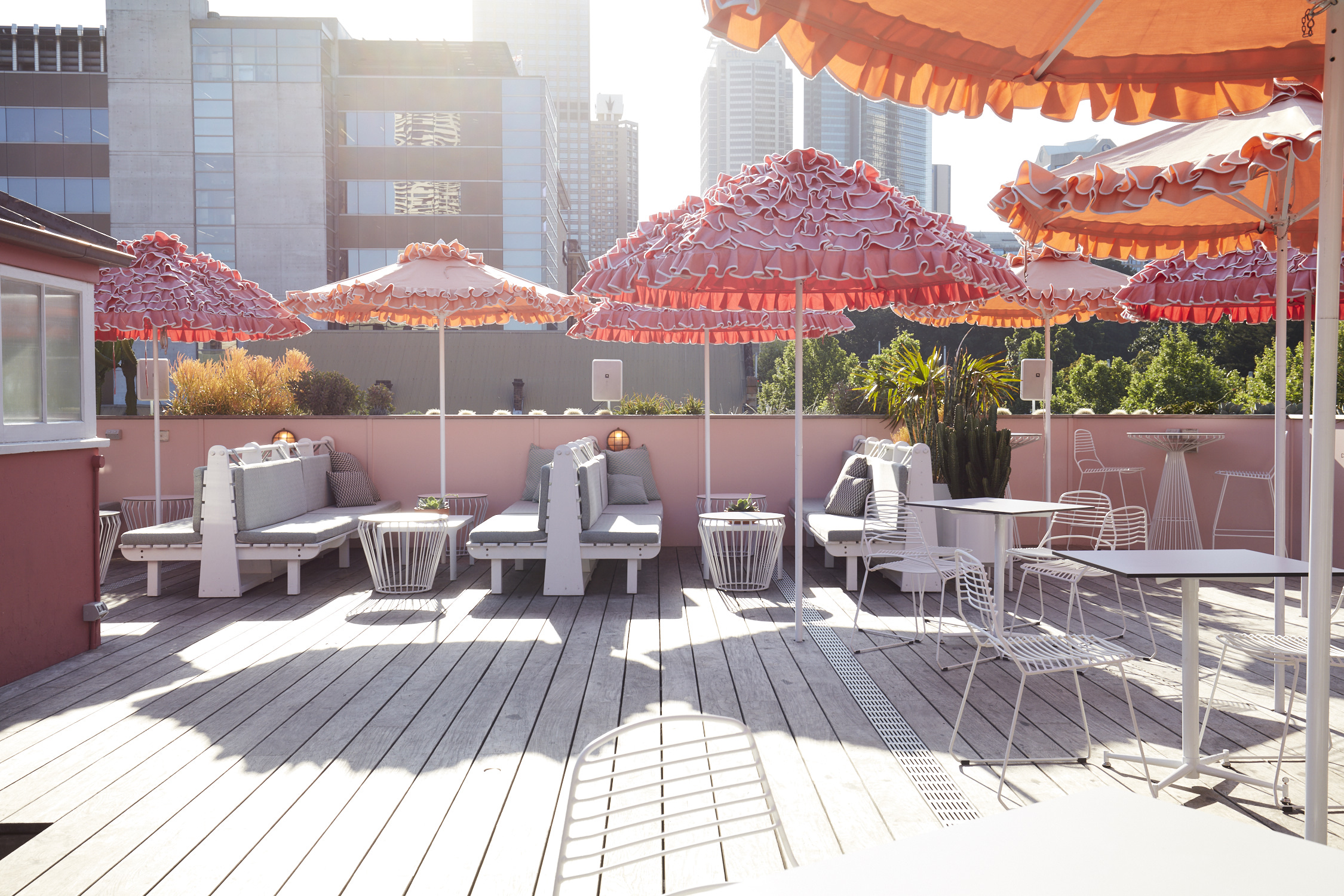 SLIMS_ROOFTOP_BAR_564.jpg