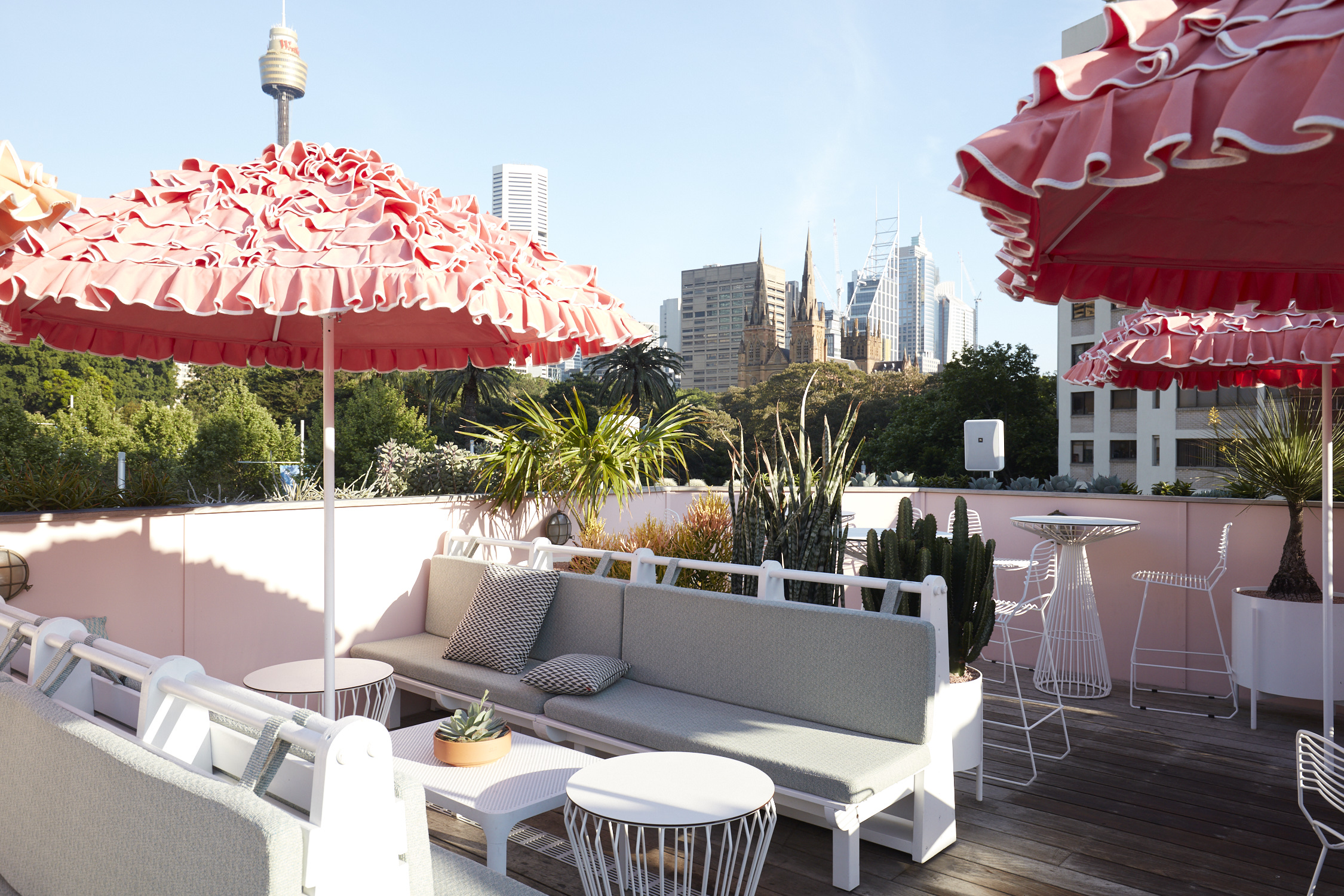SLIMS_ROOFTOP_BAR_885.jpg
