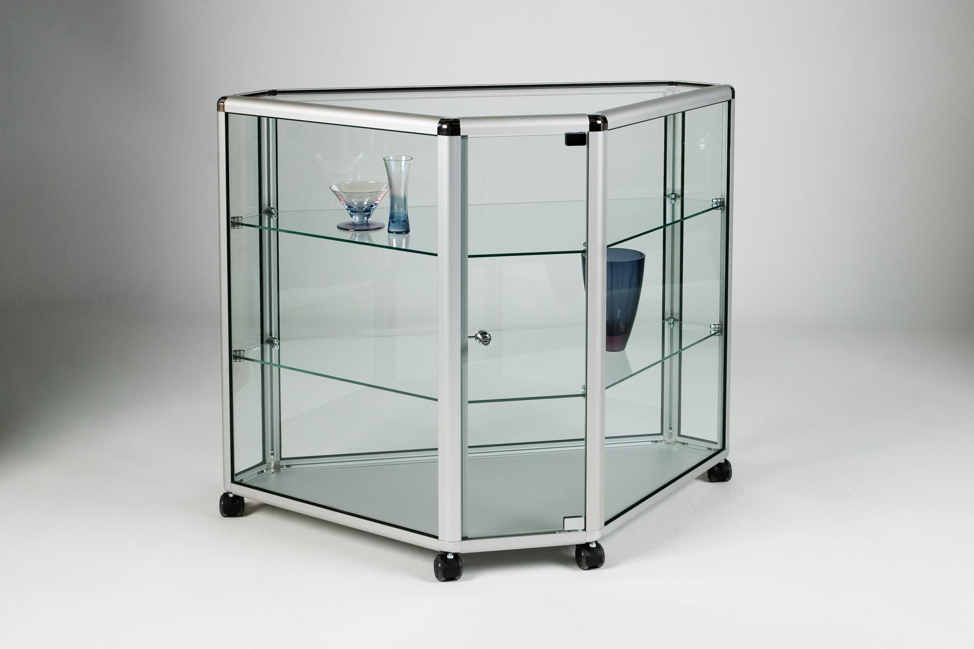 01_Corner Counter Glass.jpg