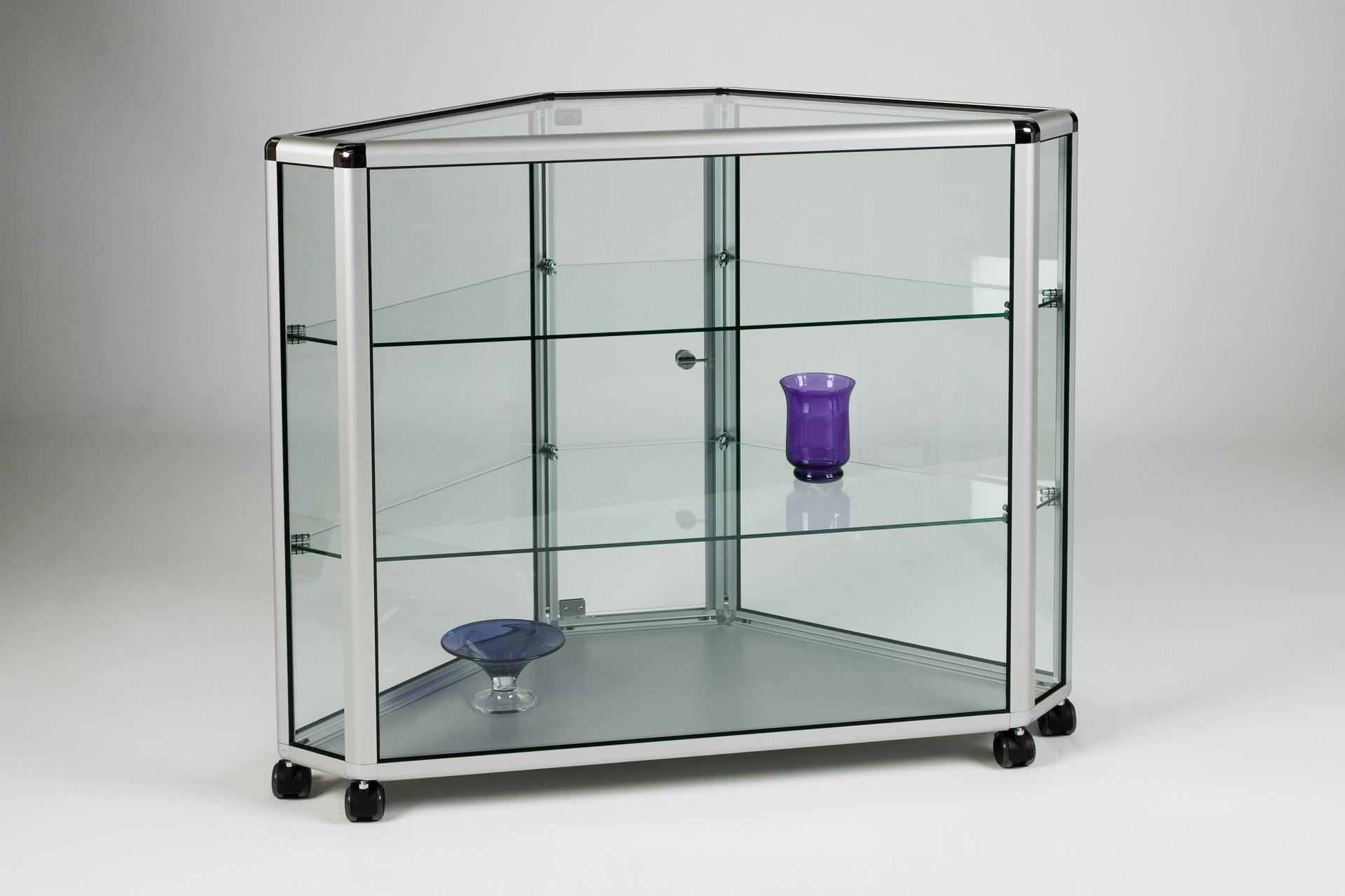 05_Corner Counter Glass .jpg