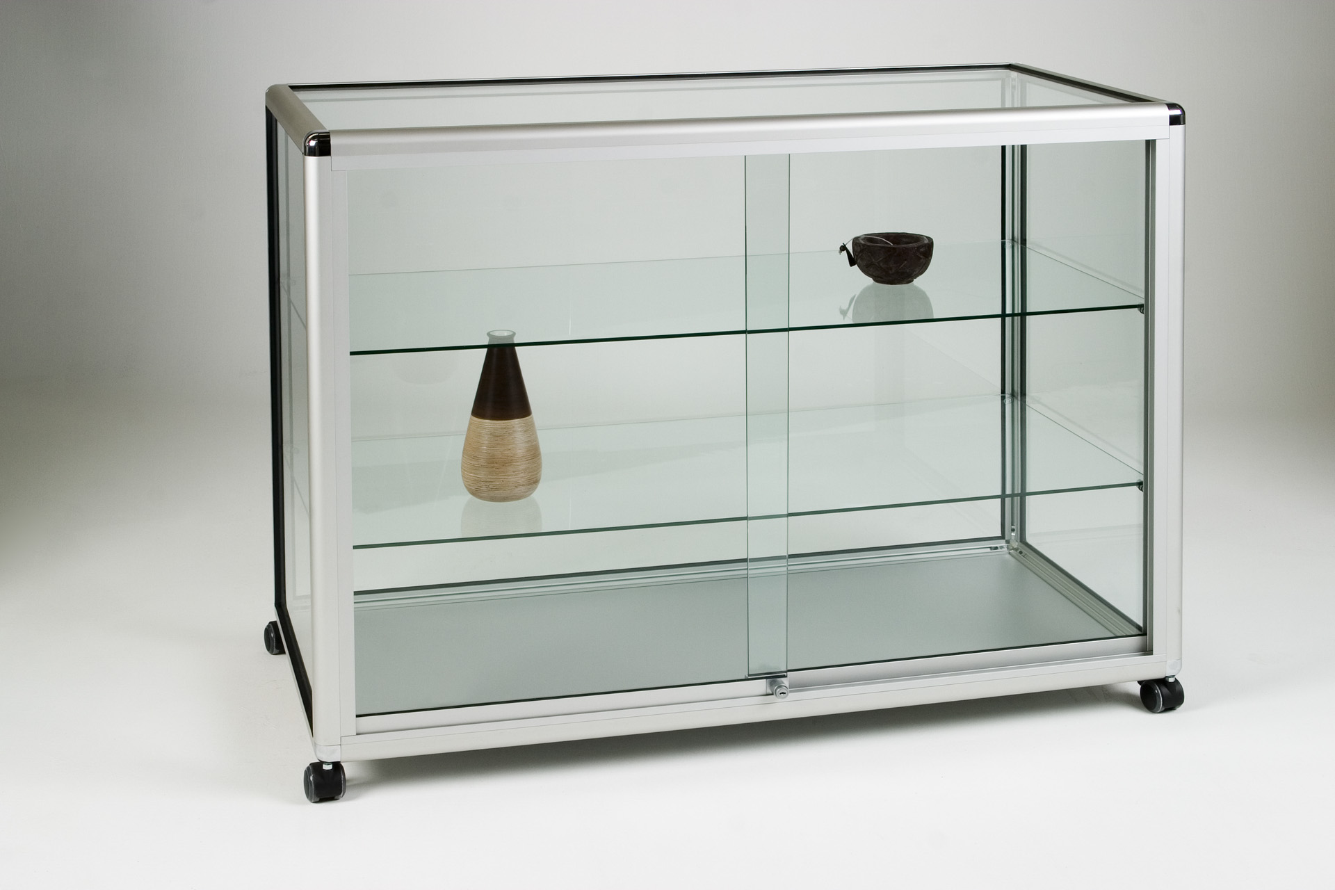 12_Straight Display Counter Glass.jpg