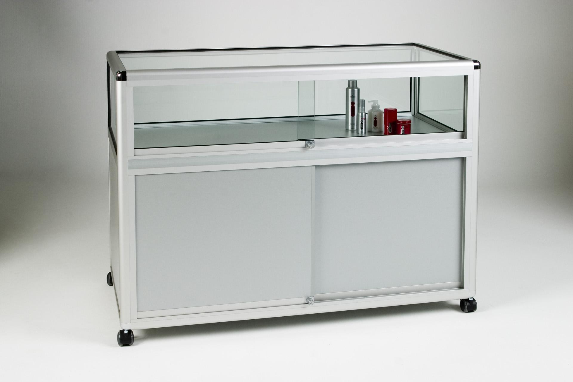 14_Straight Display Counter 1:3.jpg