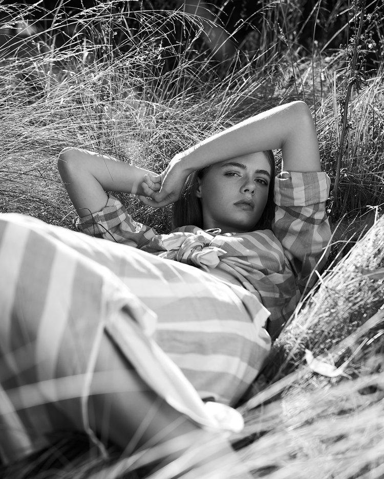 RŪPAHAUS - Photos   Carmen Rose @carmenrosephotographerStylisme   Marni Gia @styledbymarni_Maquillage + Coiffure   Amy Kenny @amykennymakeupAssistante Maquillage + Coiffure   Raffaella Tomaiuolo @raffaella.tModèles   Maeve @ Viviens / @maevemorts Elsa @ Chadswicks Models / @elsa_bryantrupahaus.com