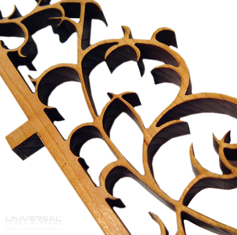 natural_(organic)_materials_wood_laser_cutting_filigreewith_a_10.6_micron_co2_laser