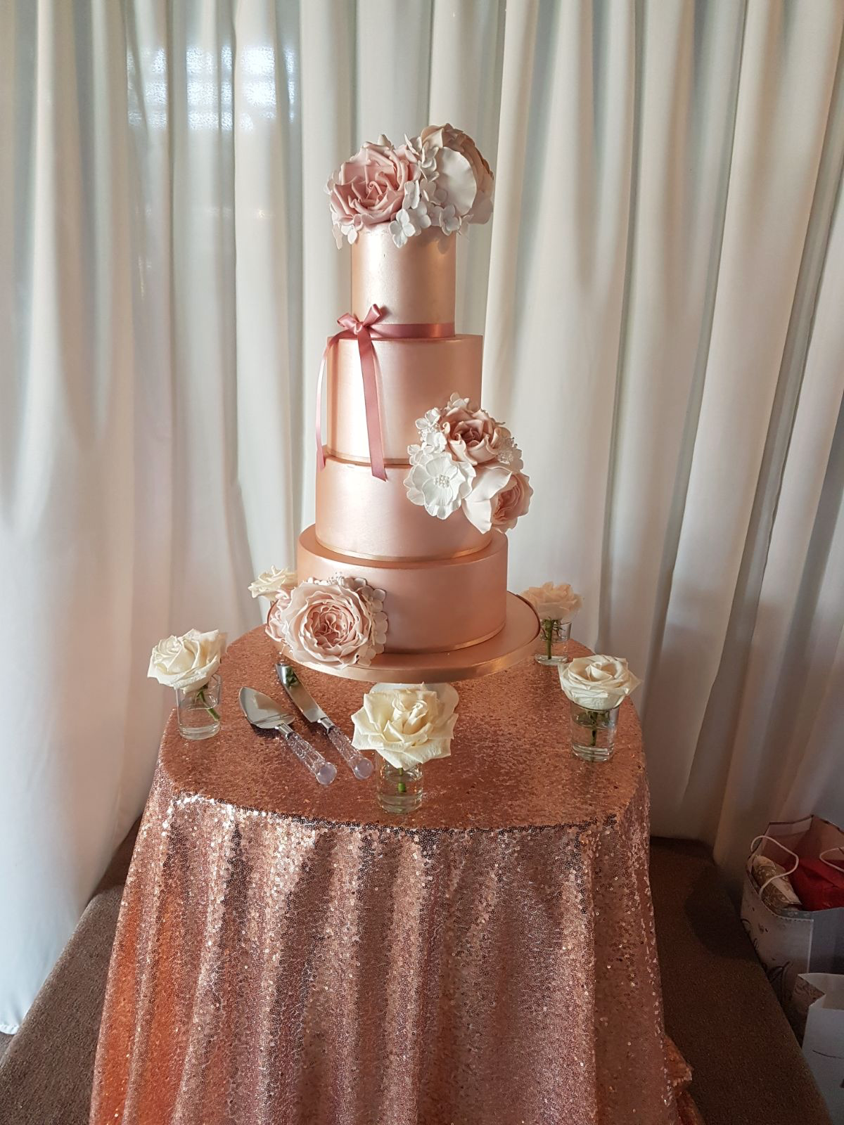 DOTTY ROSE CAKE DESIGN