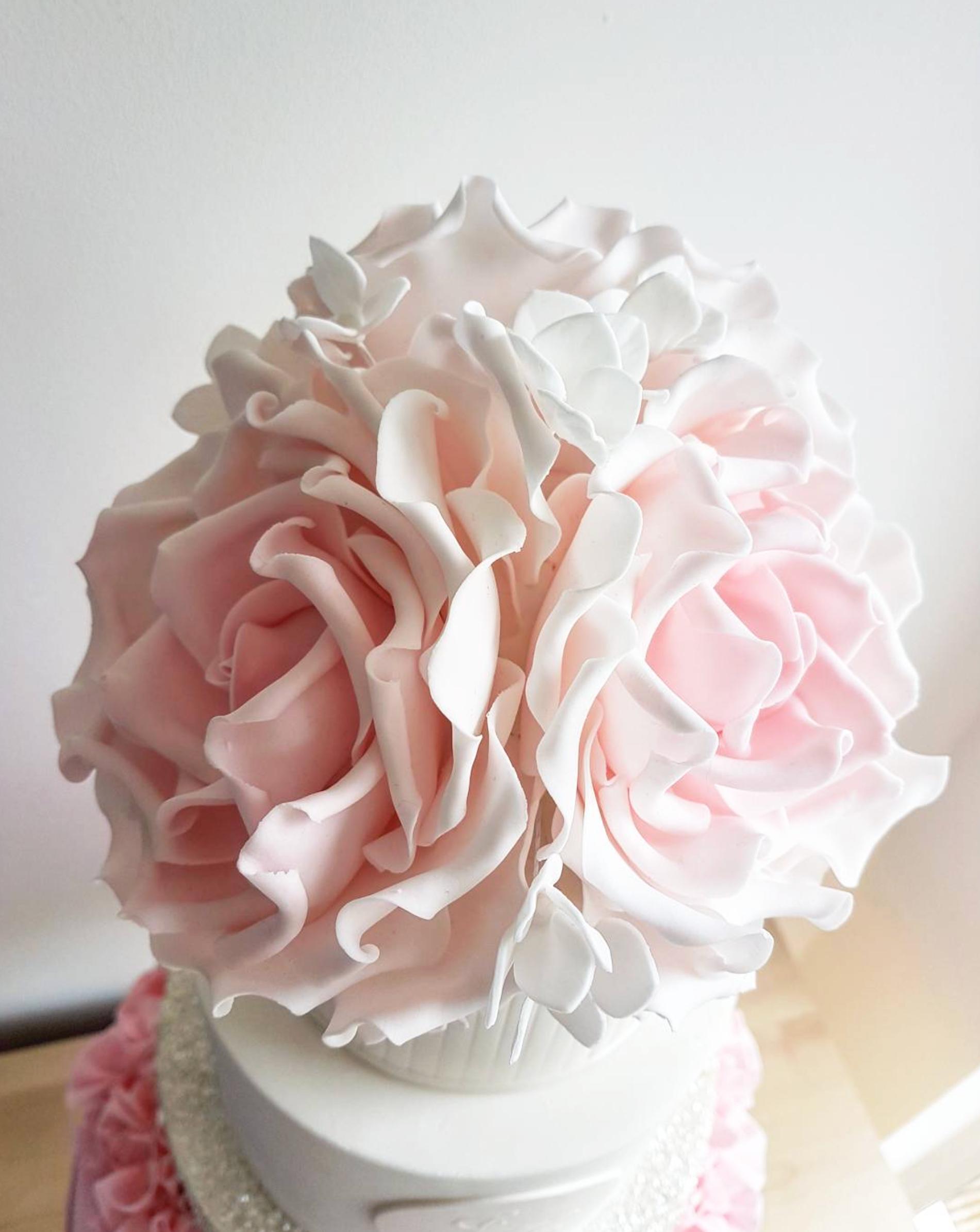 DOTTY ROSE CAKE DESIGN SUGARCRAFT FLOWERS PEONIES.png