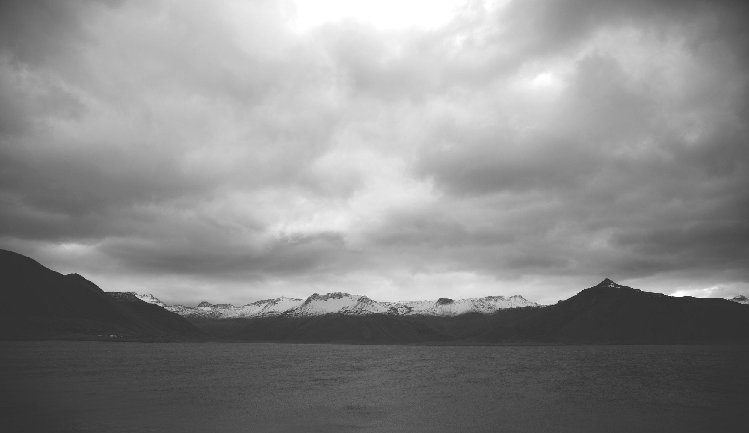 BW_mountains.jpg