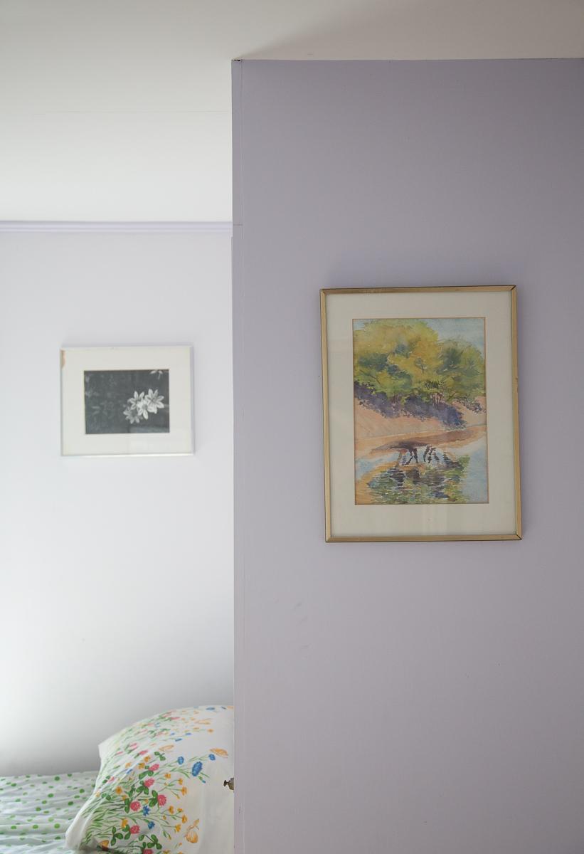 purple-bedroom-sun-summer-house.jpg
