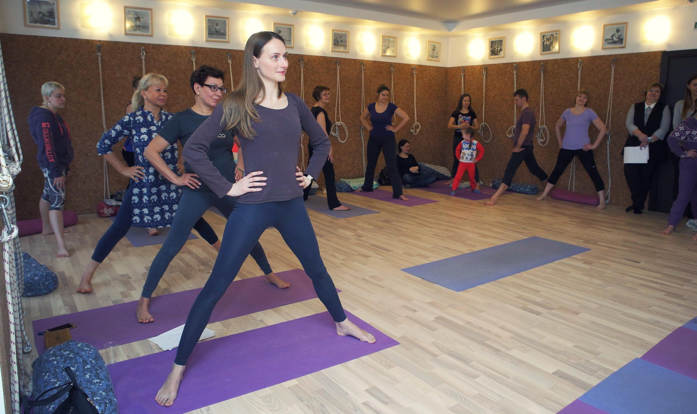 Ознакомительный курс для начинающих в центре йоги Айенгара Йога Практика Нижний Новгород