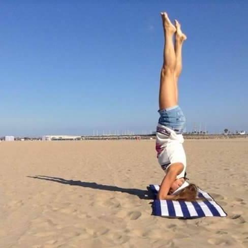Наши клиенты отправляют нам фотографии своей практики йоги айенгара из разных уголков мира