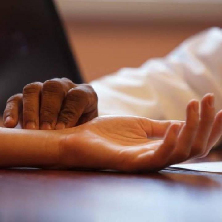 Прием у врача Аюрведы: комплексная диагностика, определение конституции, назначение лечения по методу традиционной индийской медицины