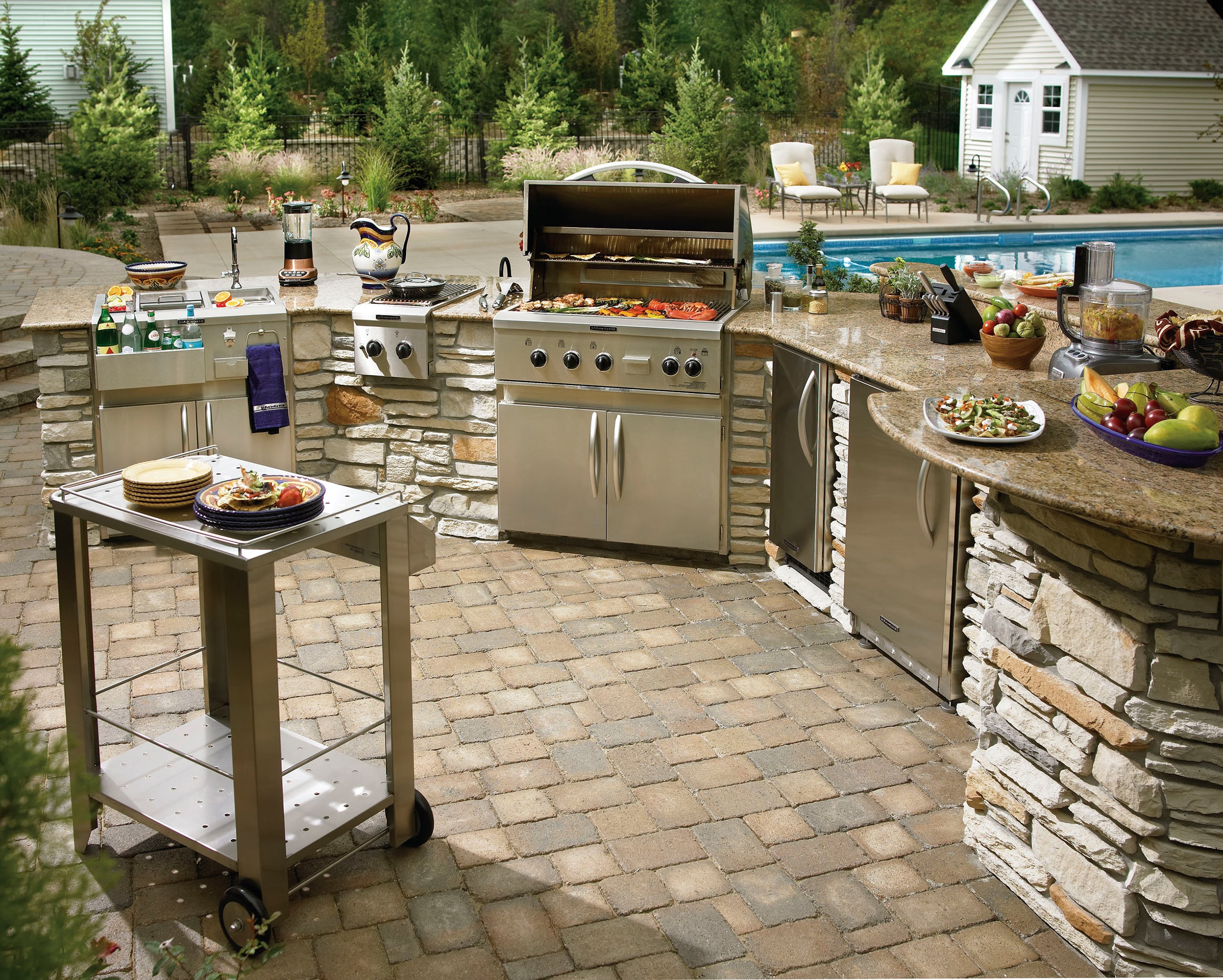 outdoor-kitchen.jpg
