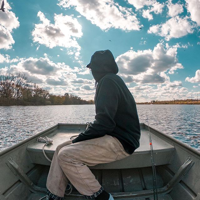 Rollin in style on Overpeck  @gopro. • • • • • • • #gopro #hero6black #hero7 #hero8 #overpeck #overpeckpark #overpeckcreeknj #boat #rowboat #fishing #fall #foliage #leonianj