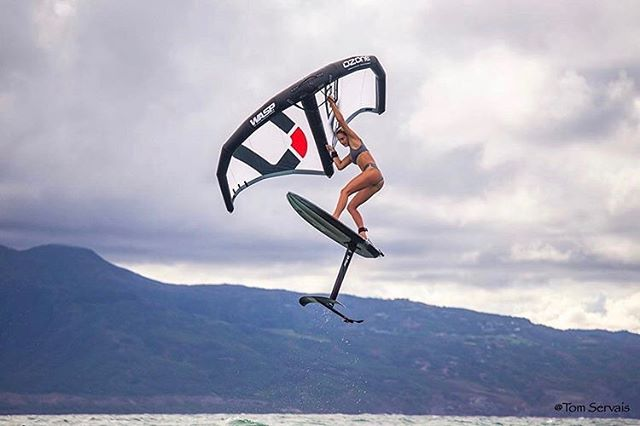Amplitude. @annie__starr at the forefront of wing surfing progression.  #THEHYDROFOILCOMPANY  photo: @tomservaisjr