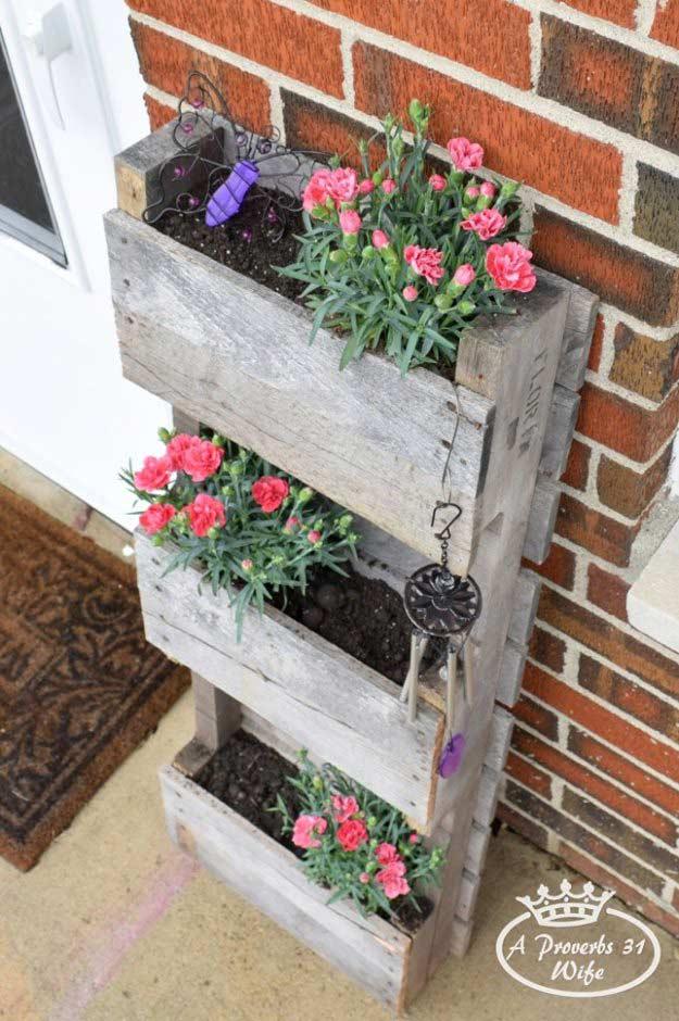 12-diy-pallet-wood-planter-box-ideas-homebnc.jpg