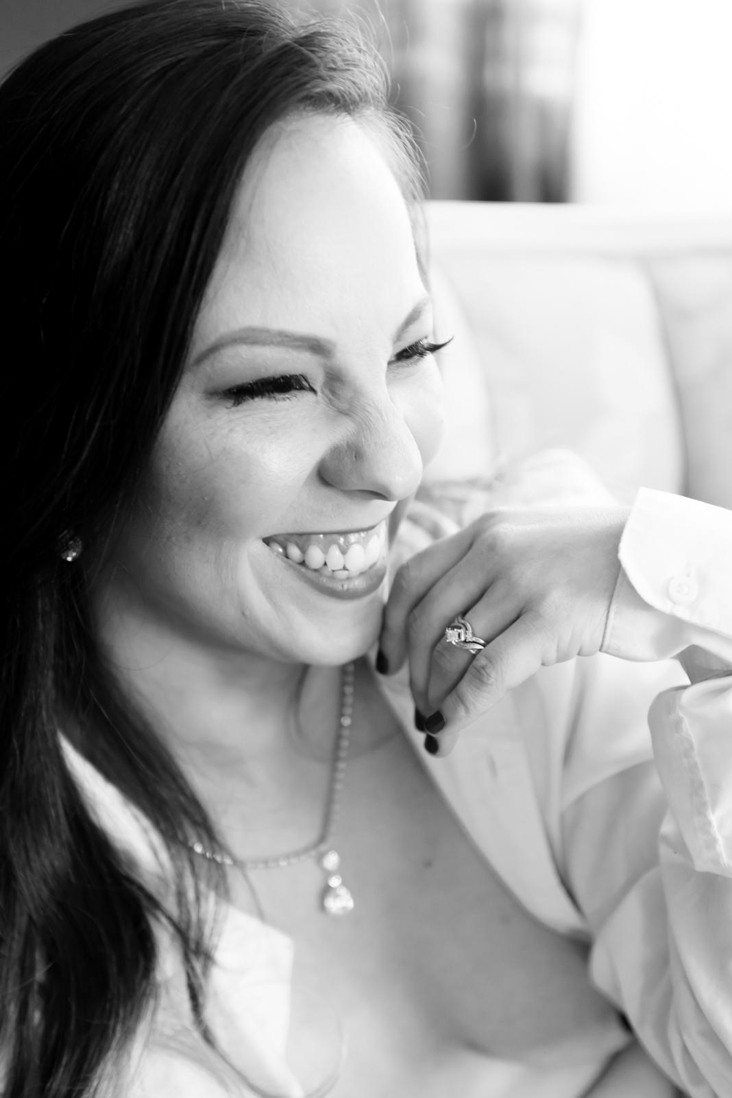 boudoir-photography-vancouver-washington-natural-smile