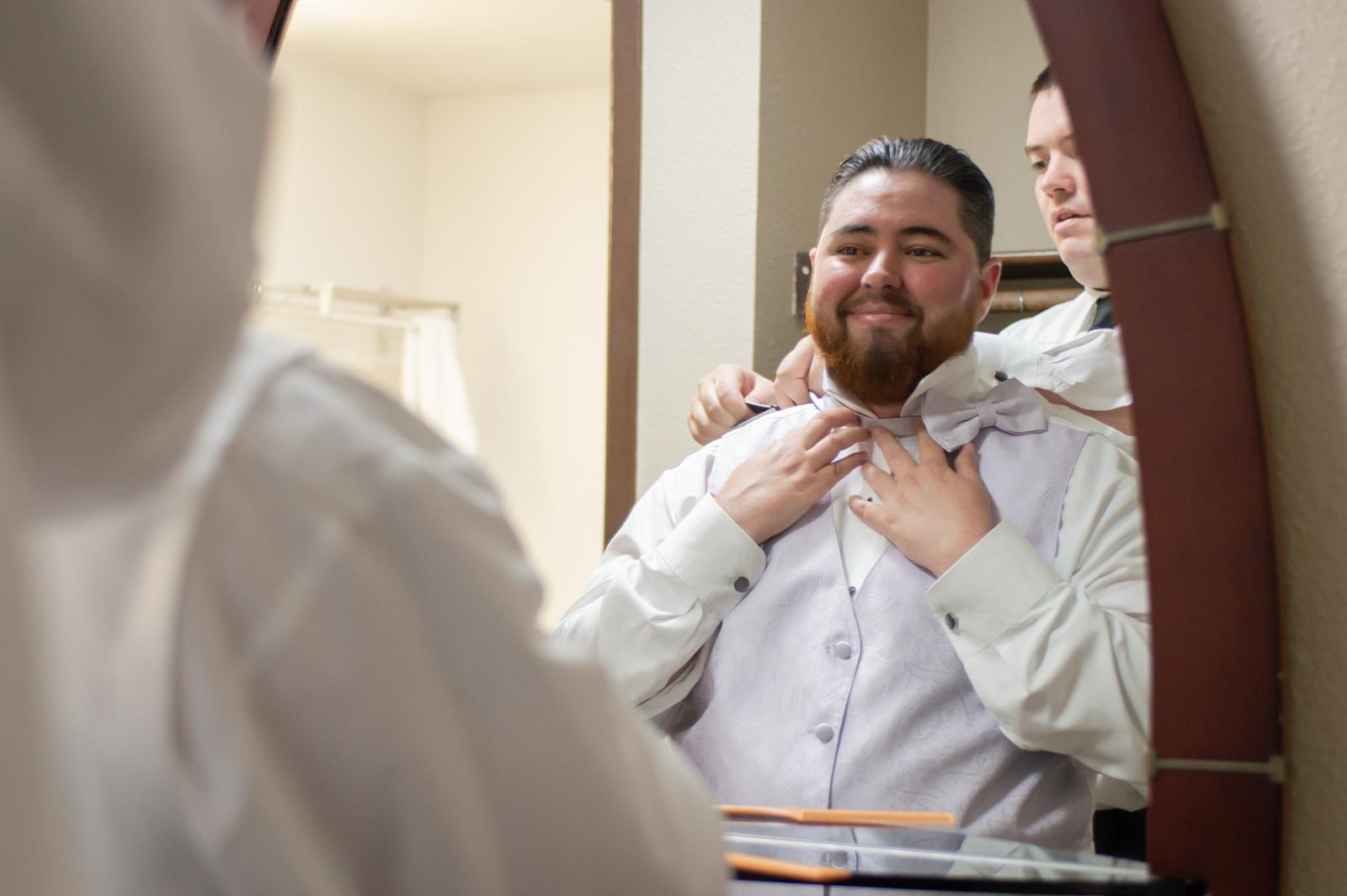 wedding-photography-portland,-oregon-groom-getting-ready