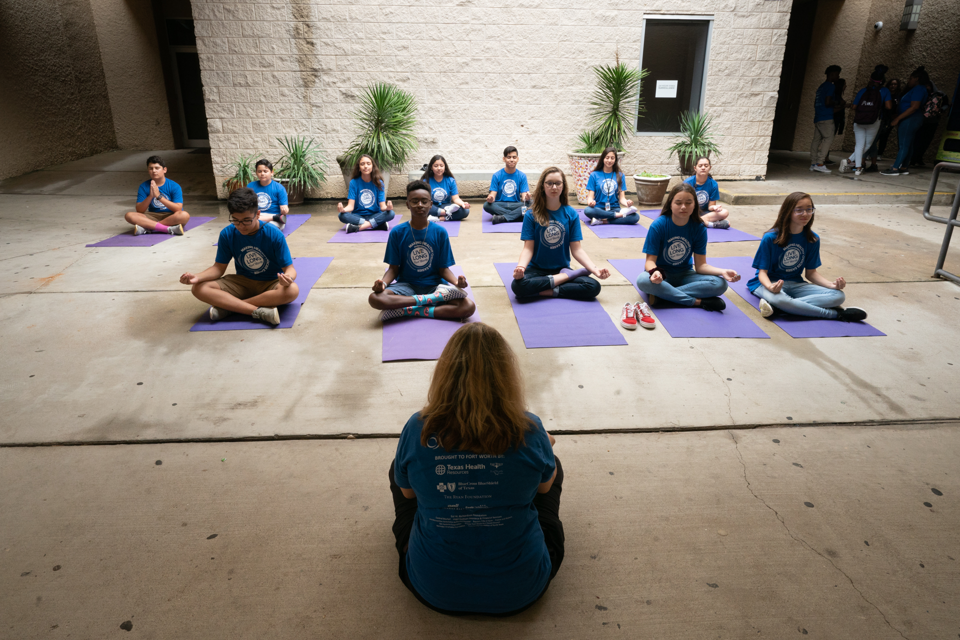 0017_2018-McLain-Sharecare-mid-school-yoga-348-2.jpg