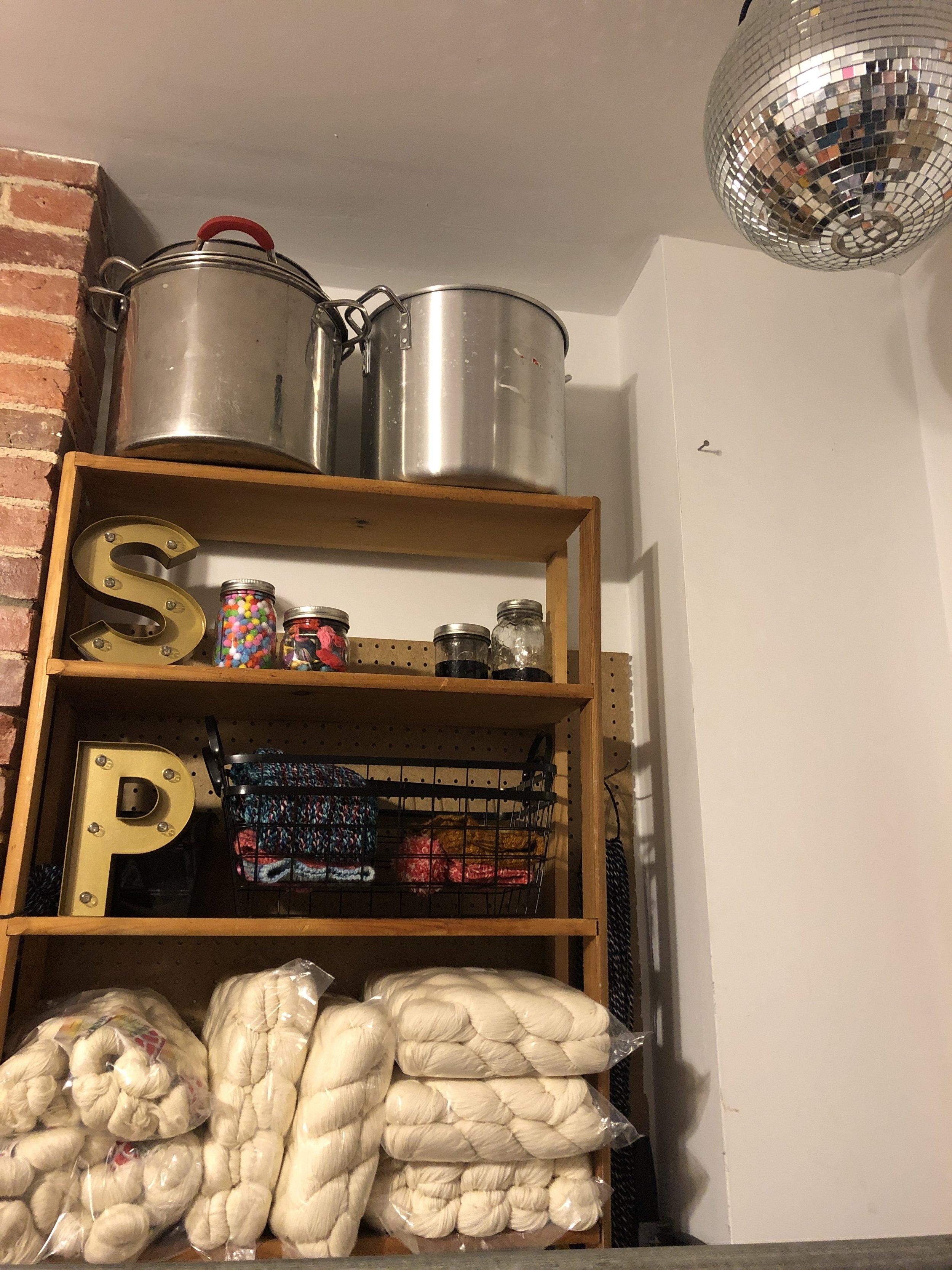 Ooh, ahhh, look at this super cute indie dyers' studio!
