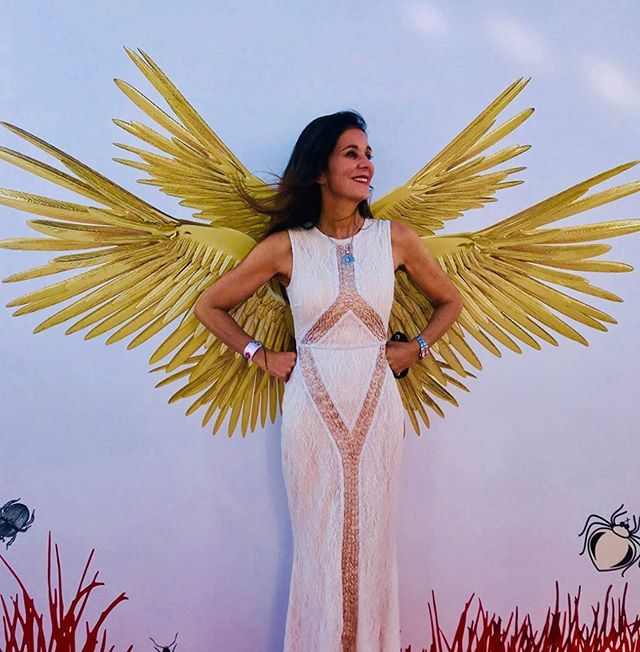 @juliaraphaely in a #rachelgilbert gown in #sttropez last week - she looked every inch the stunning #angel 😜 #whatshewore #walloffame #urbanhuntress