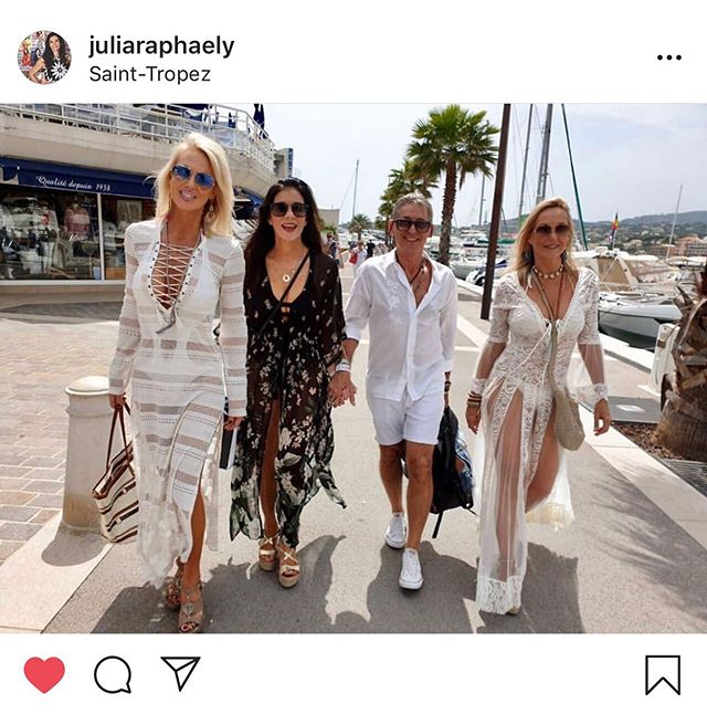 @juliaraphaely looking fabulous in her #aguabendita kimono on her recent trip to #sttropez - thanks Jules you look #treschic 👌🏼🌟💓💋