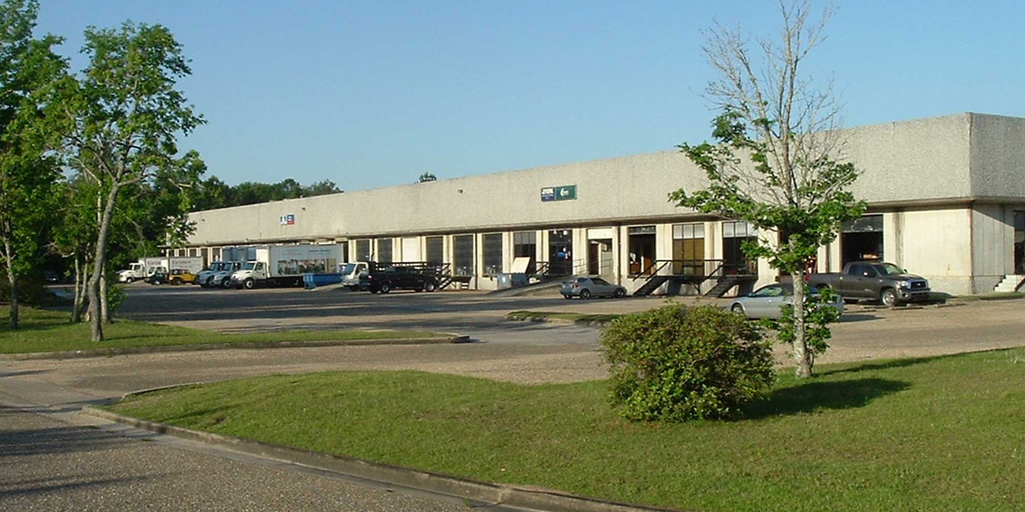 981 Corporate Drive South - WAREHOUSEA 63,000± square foot mulit-tenant distribution warehouse located at the intersection of Interstate 65 and Highway 98 (Moffett Road) in Central Business Park. The building is 100% occupied.Tenant: E-Go Bike