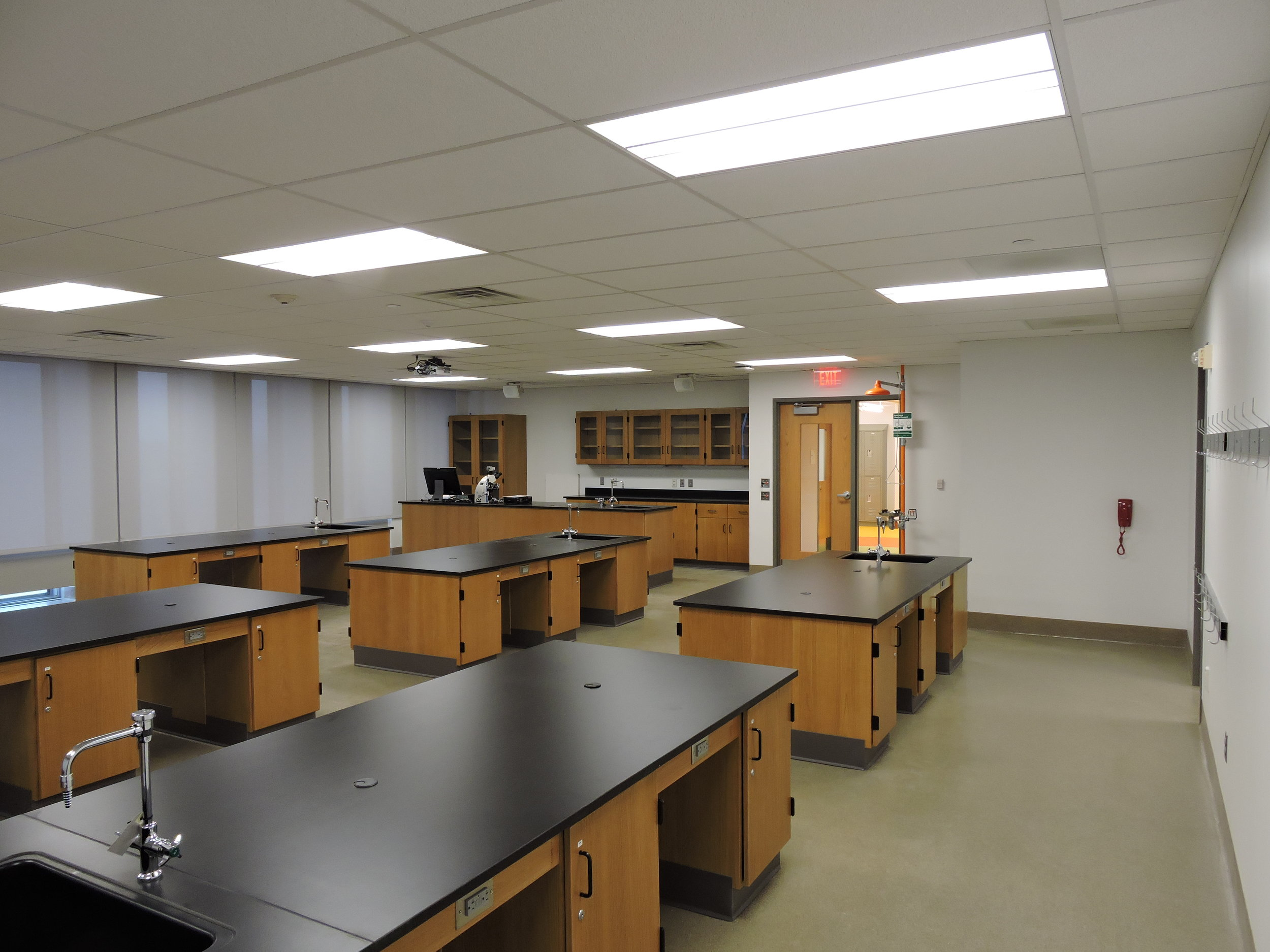 College Lab - Union County - Biology Lab.JPG
