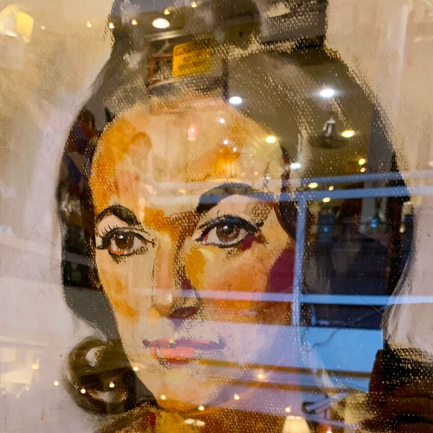 You May Think This Is Liz Taylor But It's Not