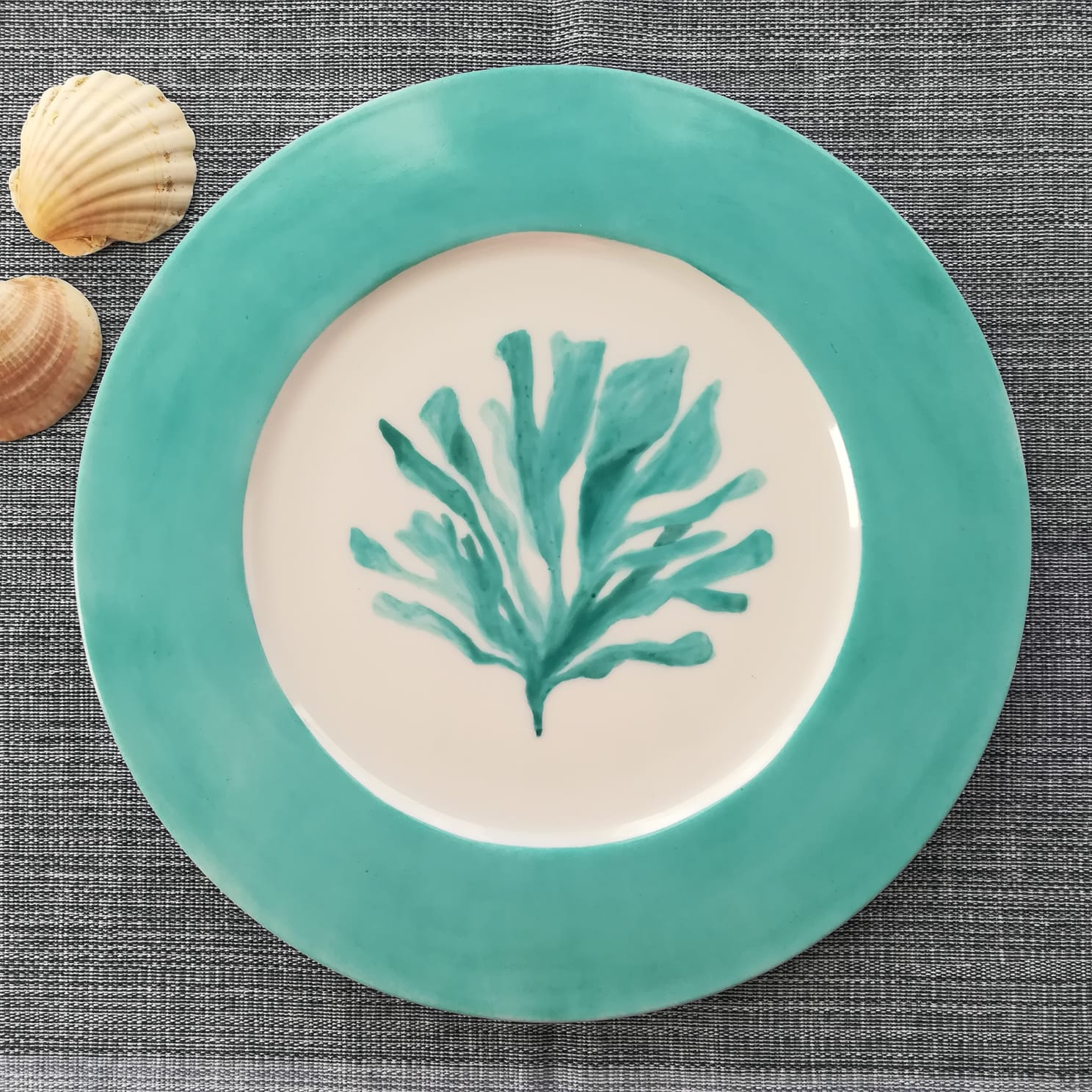 Coral dinner plate