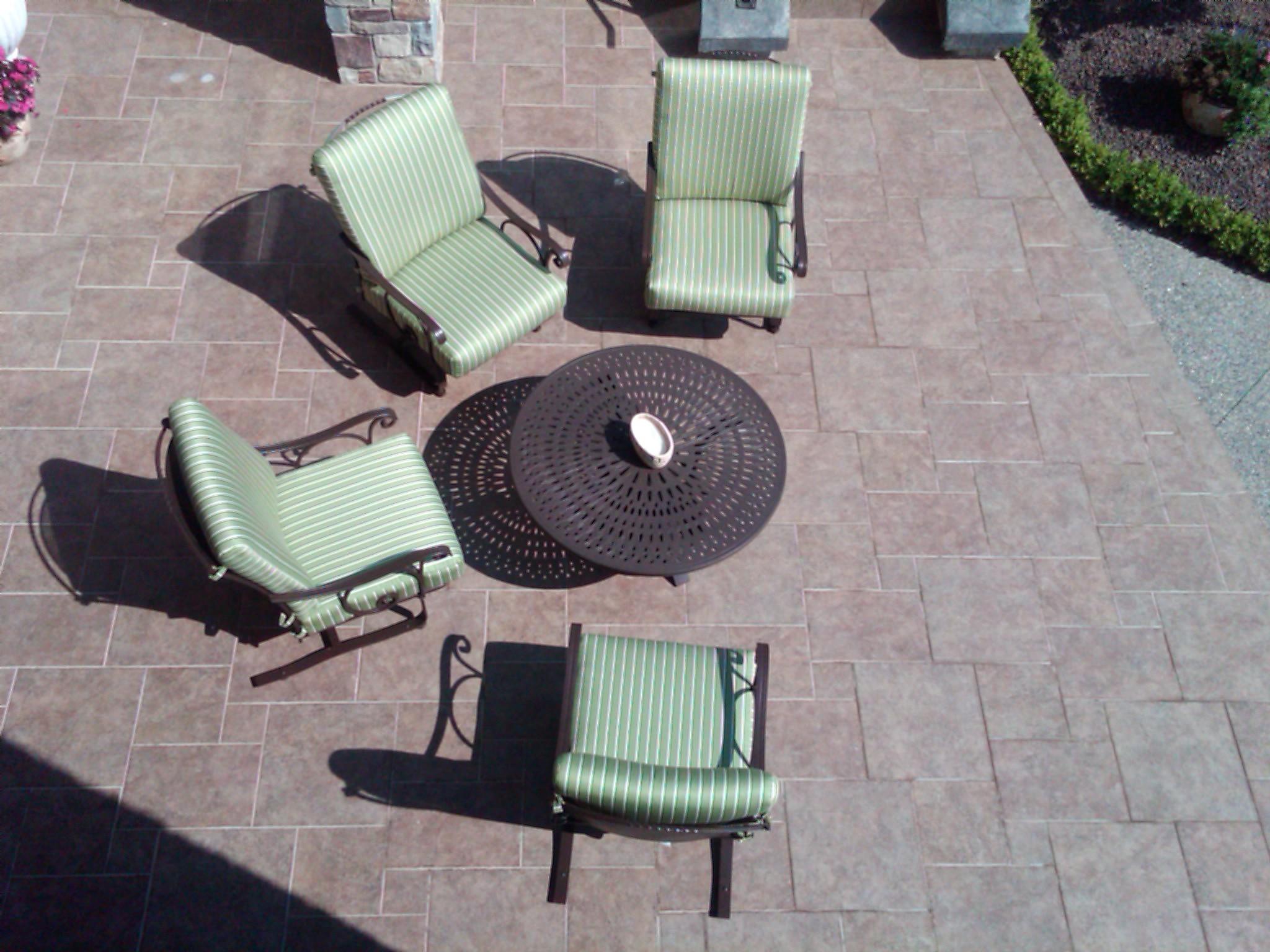 Outdoor stone patio mixed sizes.jpg