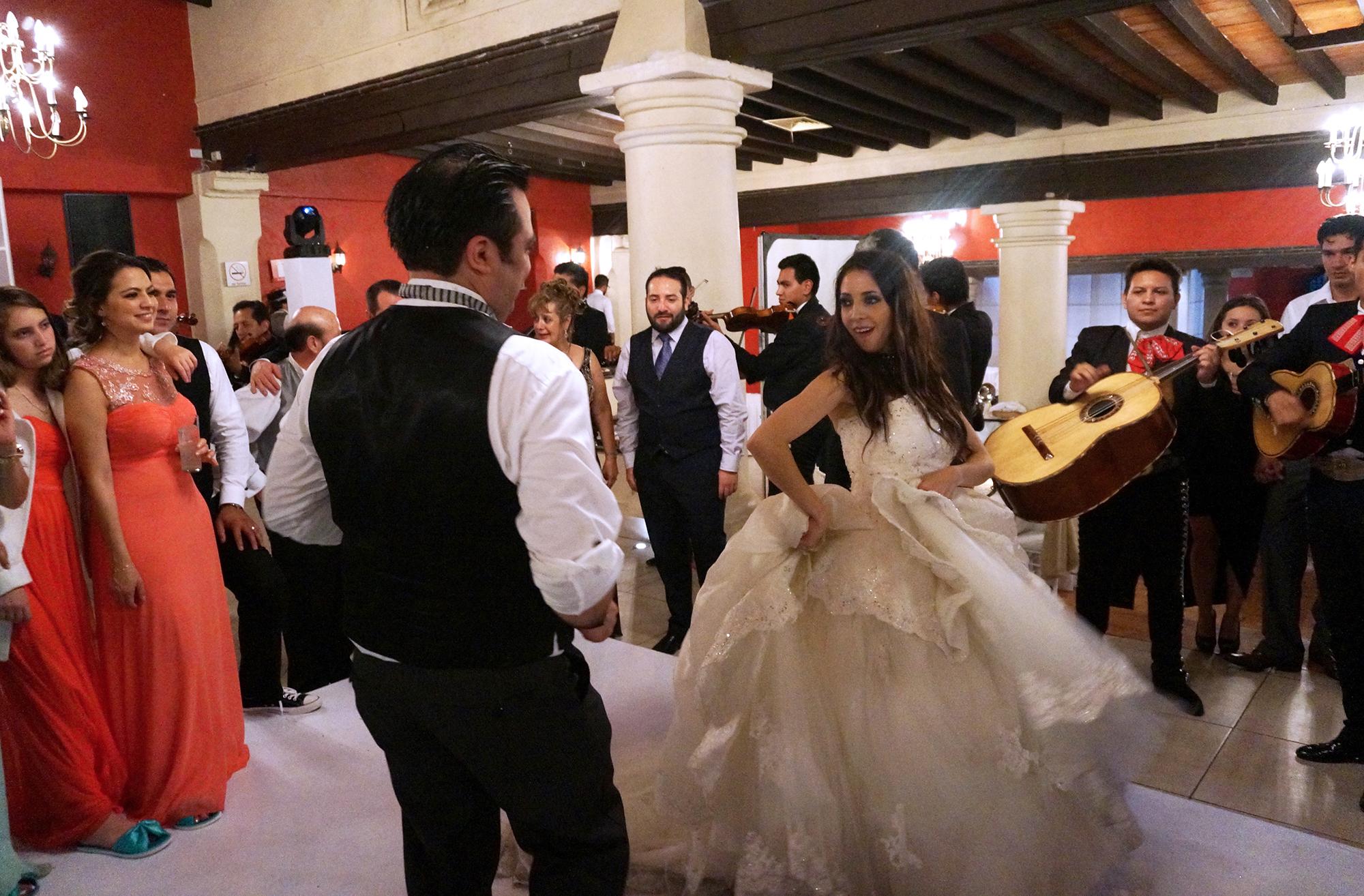 mariachi con novios