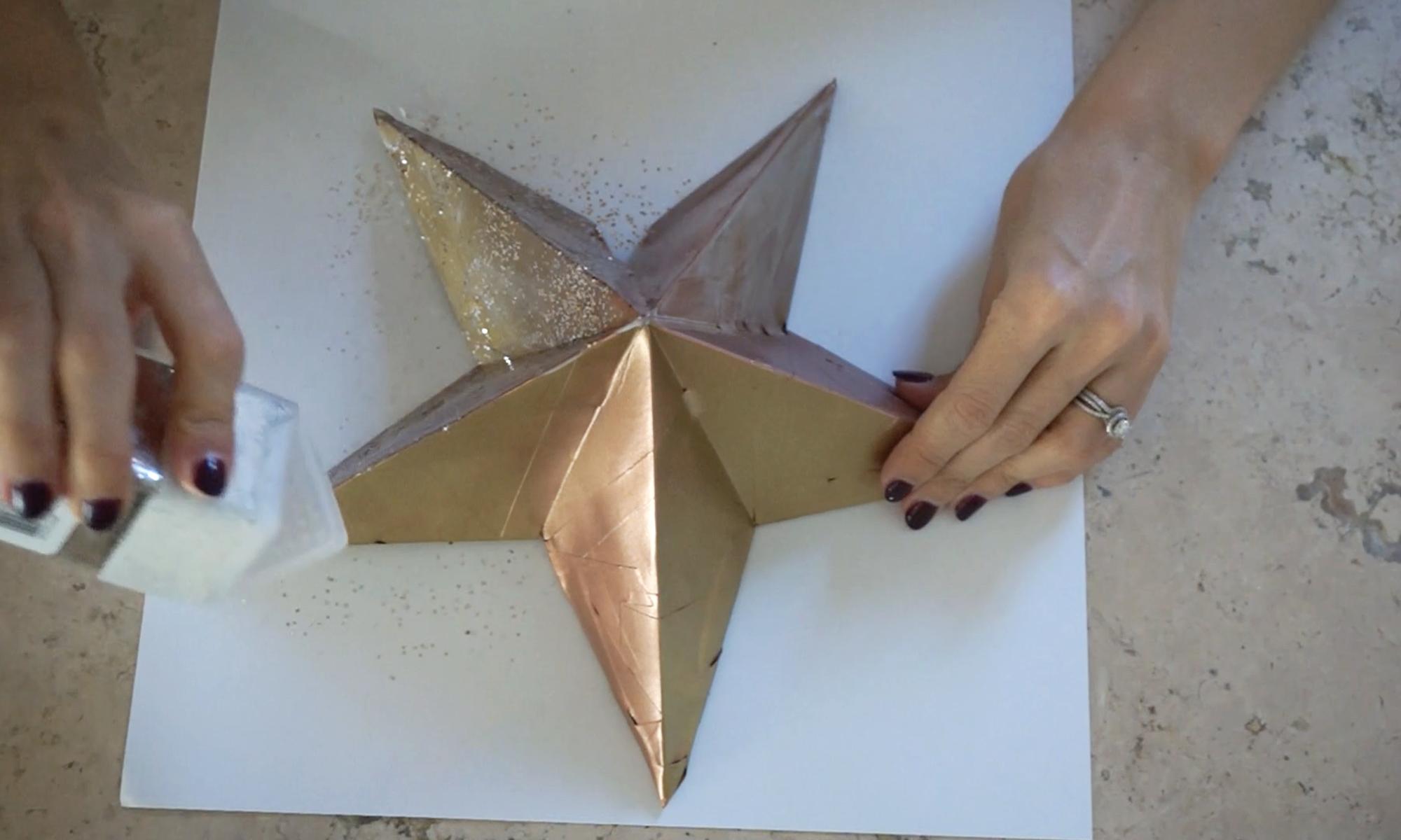 smother that star in glitter /  ¡atasca la estrella con brillantina!