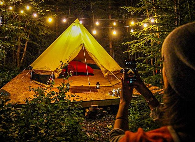 If eating gourmet camp food, chilling in our wood fired hot tub, and sleeping in tents like this sound like a great way to spend a weekend, then stay tuned!  We will soon be accepting group bookings👍  #campmoosetrail . . . #camping #camp #goldenbc #banff #canmore #campvibes #optoutside #goodtimesoutside #lakelouise #canada #glamping #glamp #yyc #calgary #allaboutadventure #getoutside #roadtrip