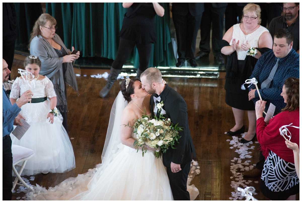 University of Wisconsin Green Bay Wedding Photos_0033.jpg