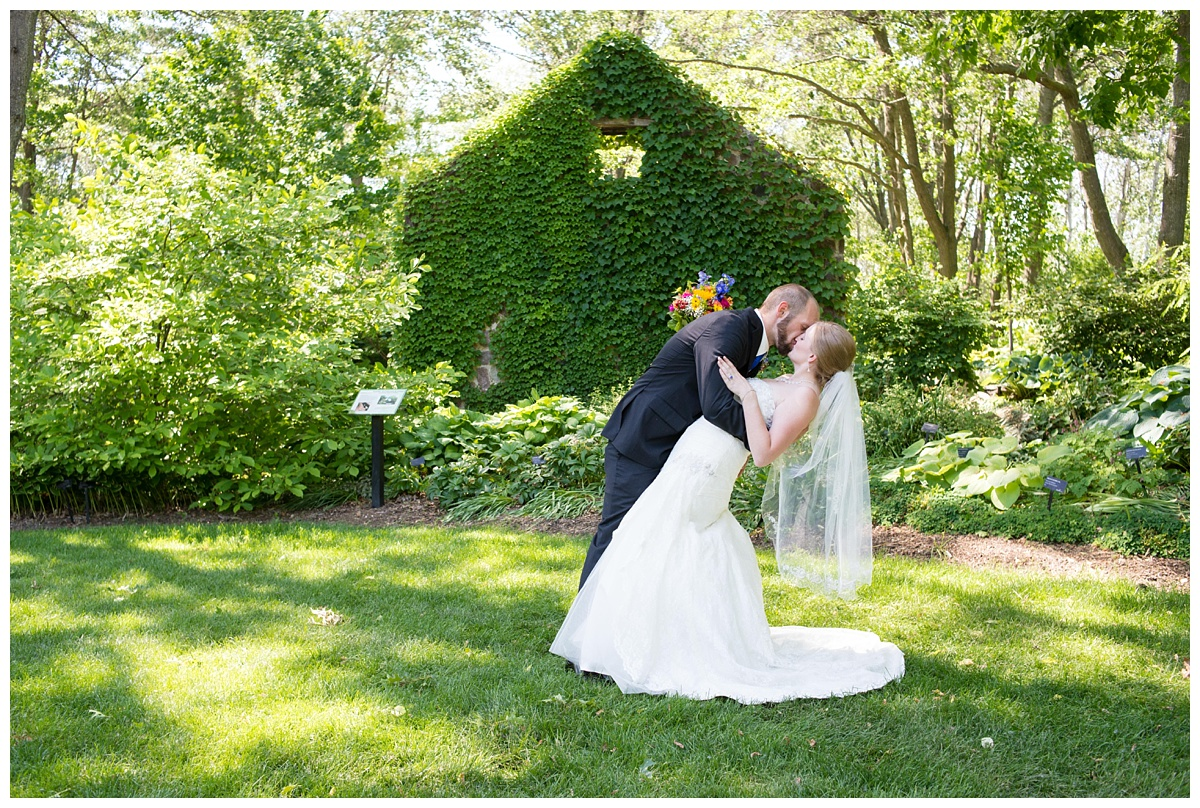 Green Bay Botanical Gardens Summer Wedding_0011.jpg