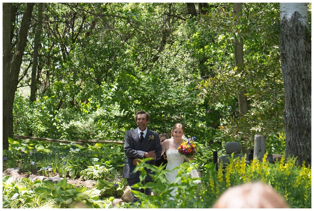 Green Bay Botanical Gardens Summer Wedding_0021.jpg