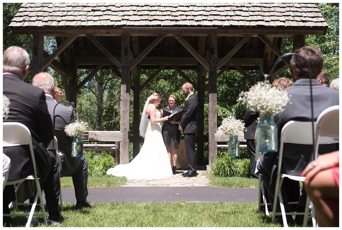 Green Bay Botanical Gardens Summer Wedding_0027.jpg