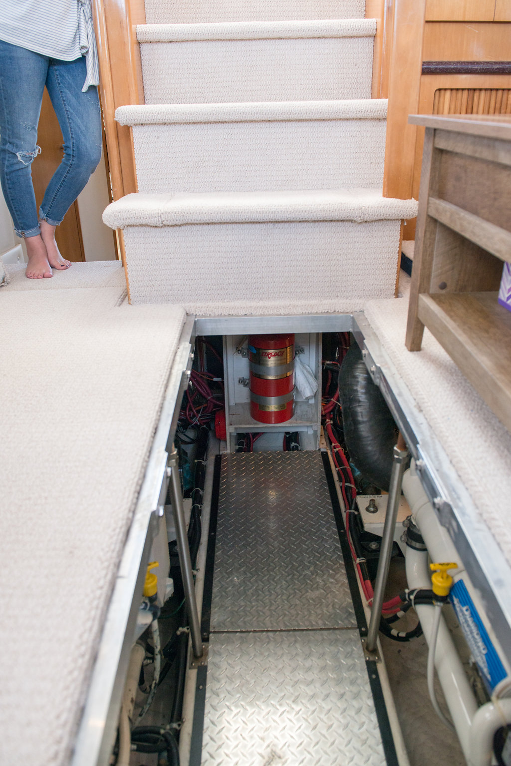 The engine room is below the main salon. Just lift the floorboards and you find a whole new world.