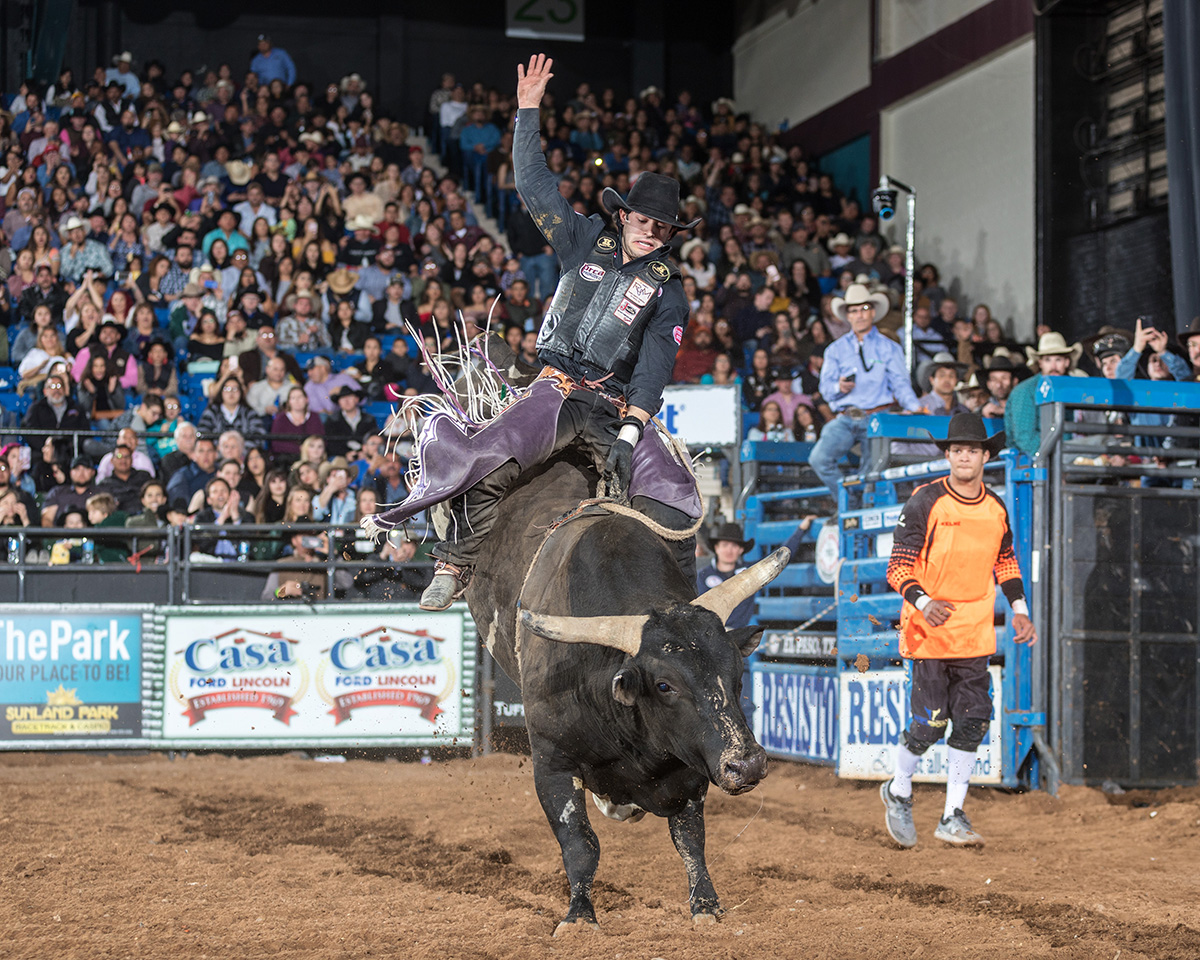 Tim Bingham, Honeyville, Utah, takes Karaoke for a 91.5 point ride in the Semifinals of the El Paso THBRT.