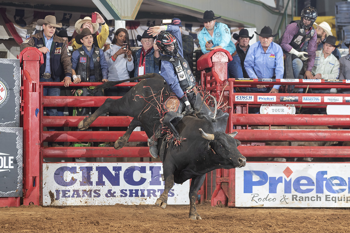Two -Time NFR Qualifier Cole Melancon rides Time to Shine (Winston/Melton) for 89.5 points at the Tuff Hedeman Fort Worth Challenge last April.